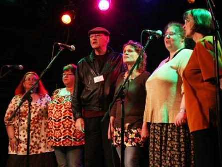 Stanley Robertson with singers from SC&T in 2007